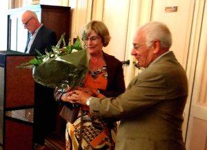 Daniel Lemmens zet auteur Rolande Van Heden in de bloemetjes