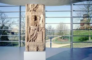 Museum Het Valkhof - godenpijler